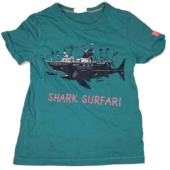 H&M Other - H&M Shark Surfari Graphic Tee Shirt A170449